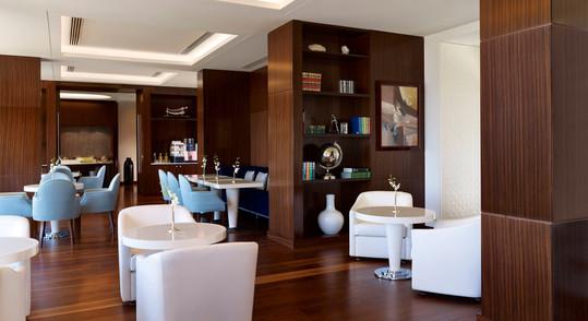 dhamd-club-lounge-9836-hor-wide.jpg