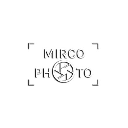 Logo Mirco Photo Vierkant wit schaduw.pn