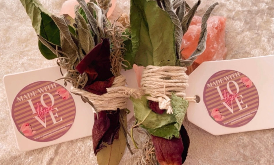 Attract love Smudge bundles: Goddess Rituals