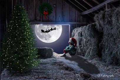 Christmas window barn Juliette fb.jpg