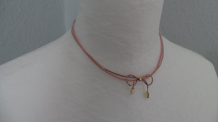 30715710214/00355.   GOLD NECKLACE