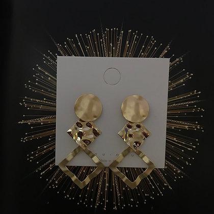 ERWS10047-9. GOLD DANGLE EARRINGS
