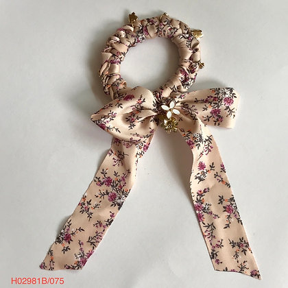 H02981B/075 PONYTAIL SCRUNCHIE WITH BOW