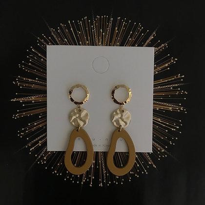 ERWS10073-7.   GOLD DANGLE EARRINGS