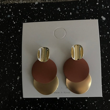 ERWS10069-7.  GOLD DANGE EARRINGS
