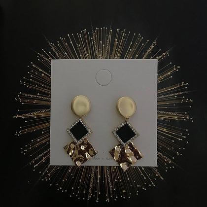 ERWS10049-9.     GOLD DANGLE EARRINGS