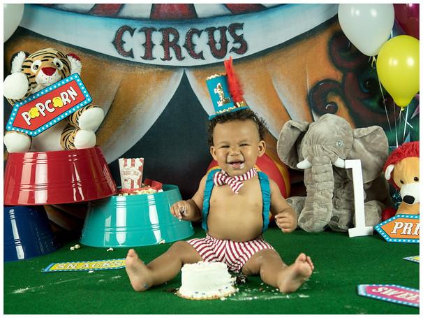 Circus Smash Cake Photography