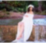 Maternity photo at the creek