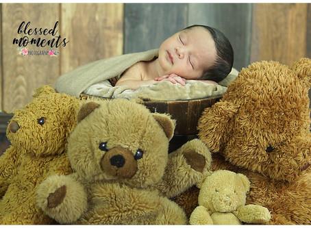 Newborn photos with Samuel and bears