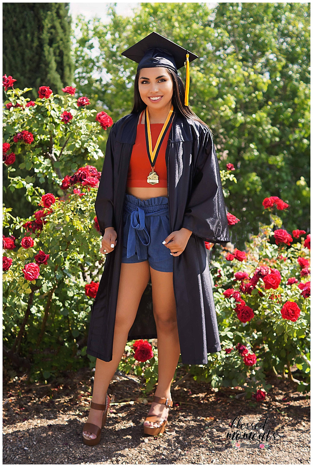 El Paso High School Senior photos done in Rose Garden