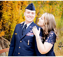 Military couple fall photo in the mountains