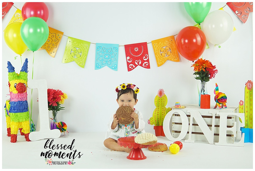 Fiesta photo session with pan dulce