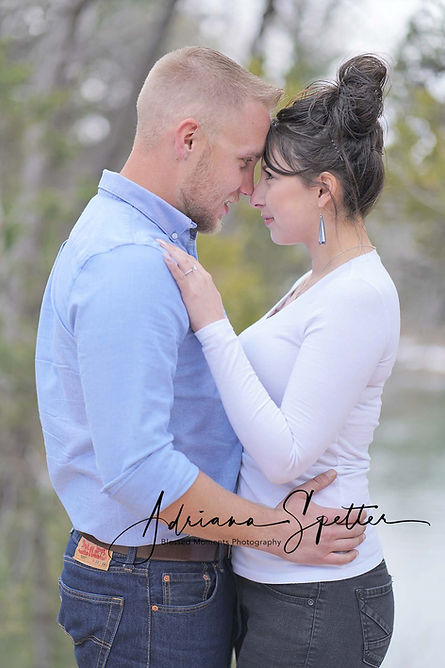 Couple photography with couple embracing in the mountains of Cloudcroft