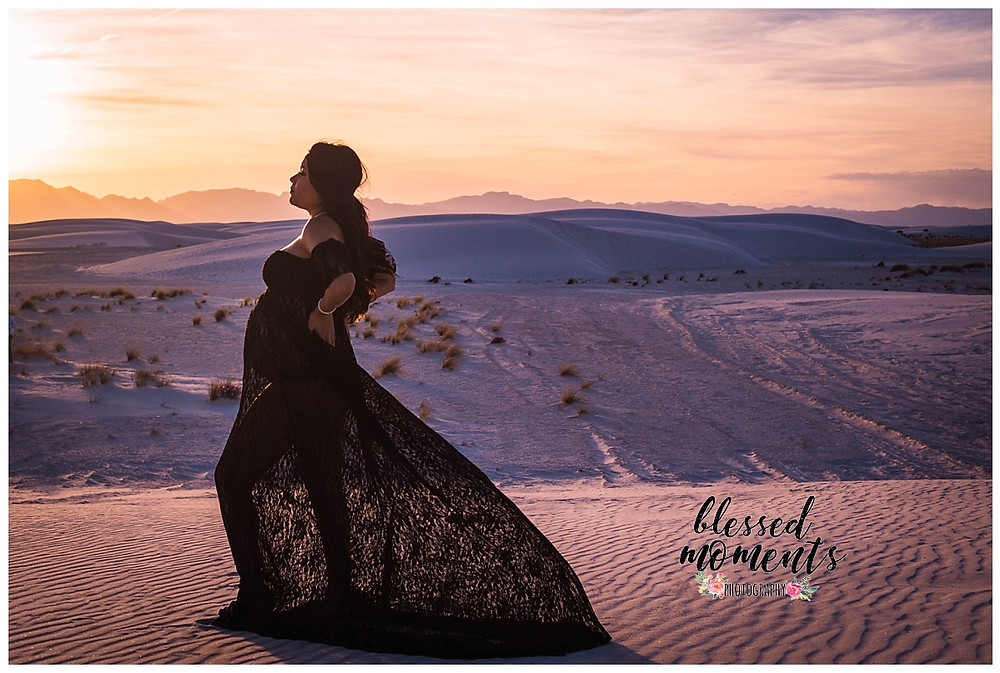 Sunsert photo at White Sands National Monument for Maternity photo session