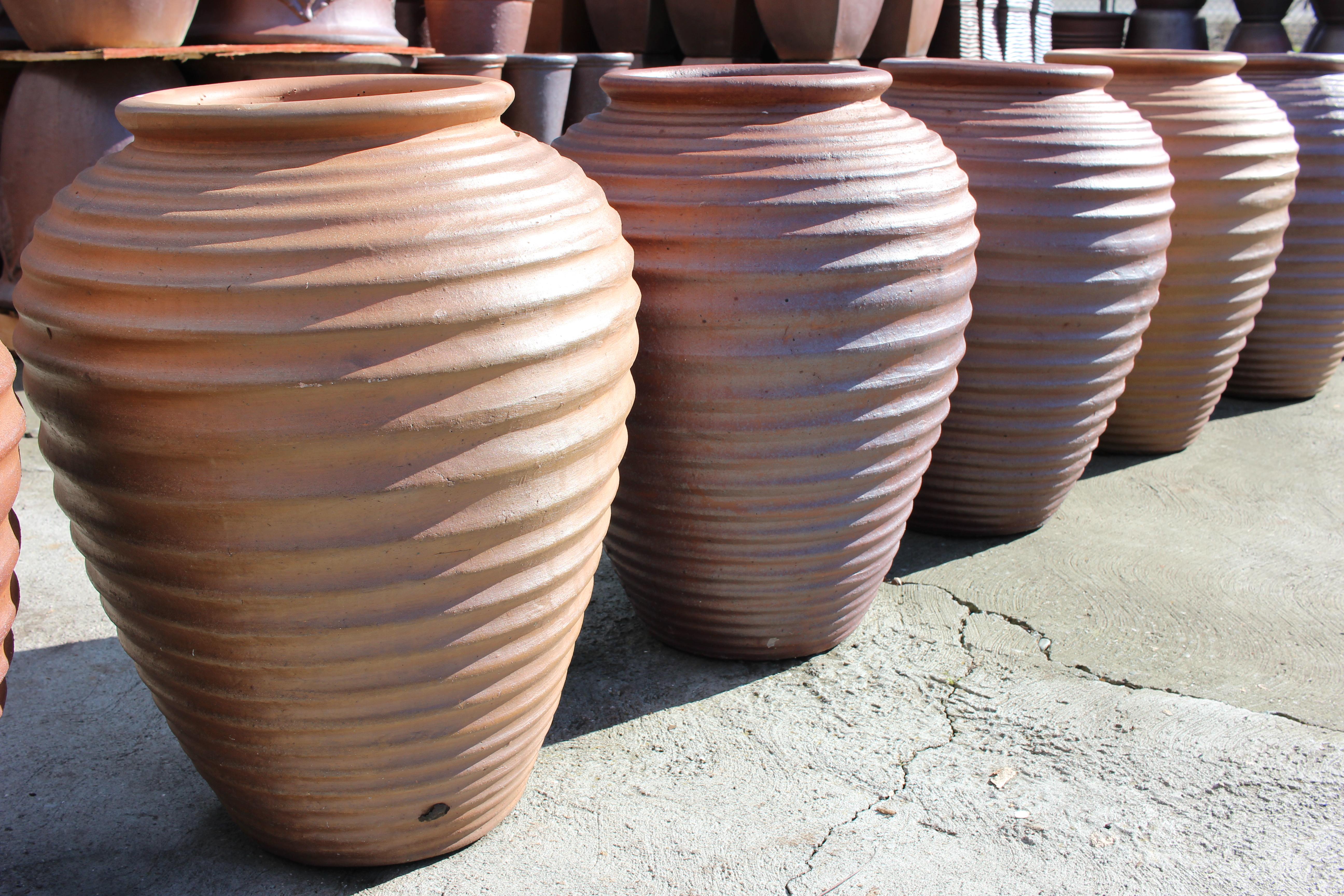 Horizontal Ribbed Water Jar