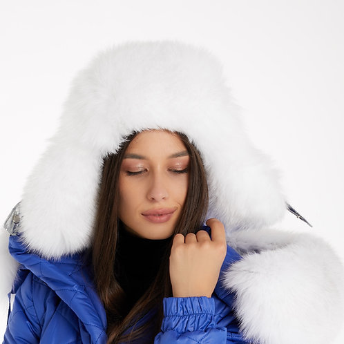 HAT WITH WHITE FUR