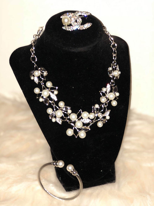 Silver Pearl Flower Necklace Set