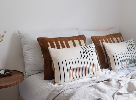 5 tips to style your cushions