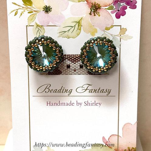 Handmade beaded stud earrings [Silky Sage]