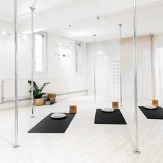 studio de yoga pole dance lausanne chrom