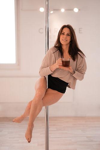 pole dance teacher virginie cochard owne
