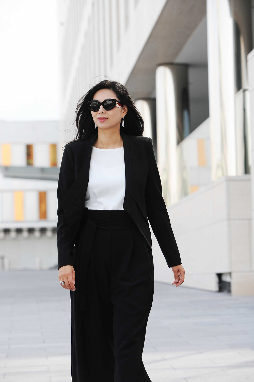 Business Formal black and white work outfit for women