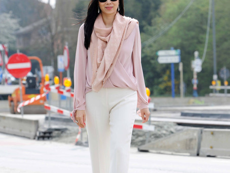 How to wear white pants to work
