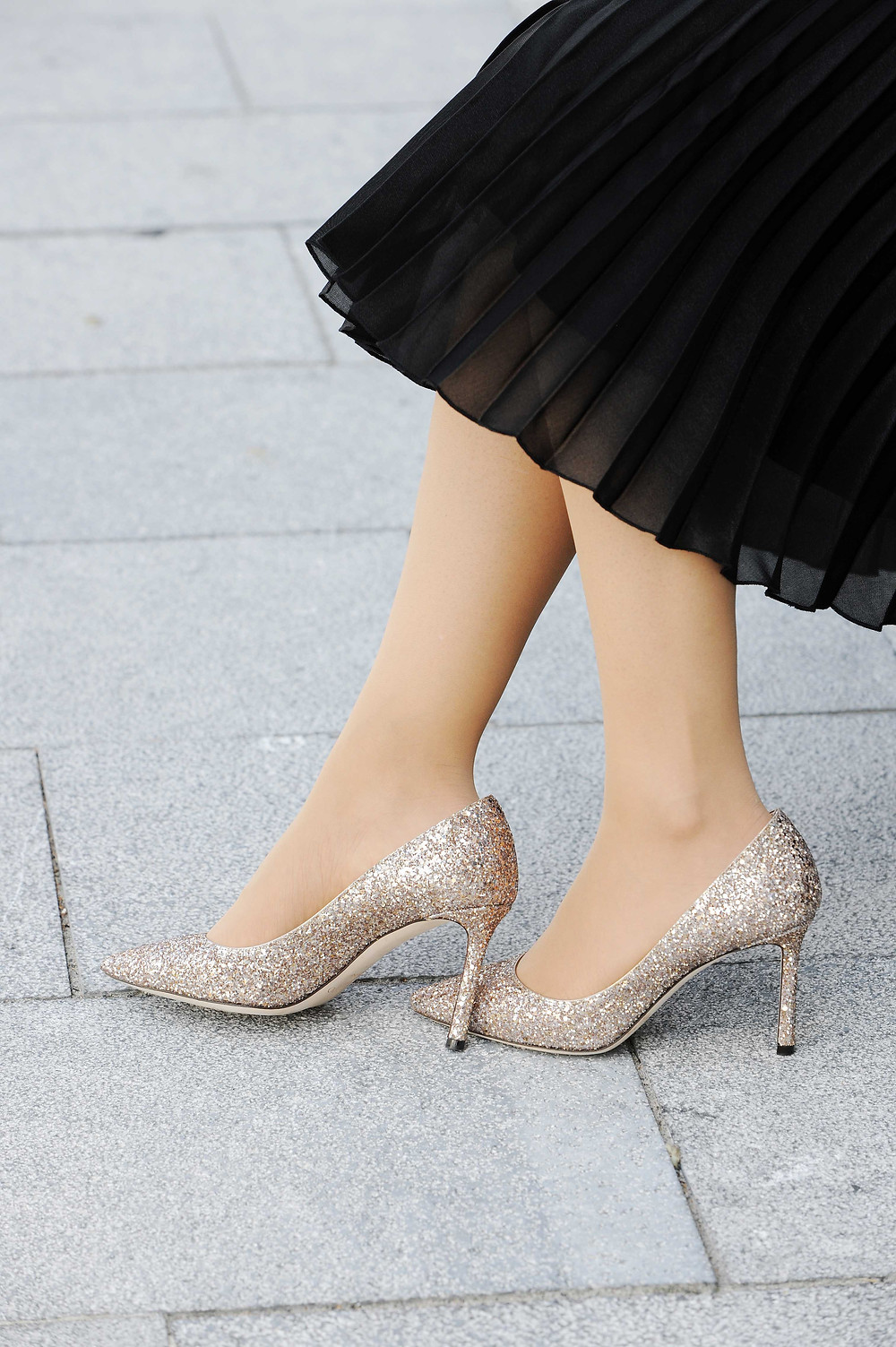 Business Casual woman outfit styled with Jimmy Choo Romy 85 glitter pumps in ballet pink