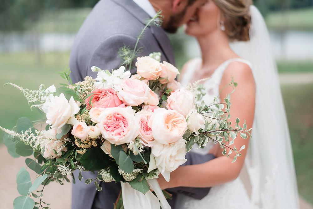 bride wedding bouquet auburn planner