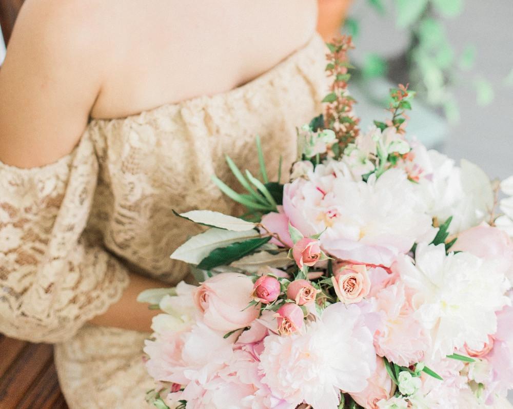 brides bouquet flowers