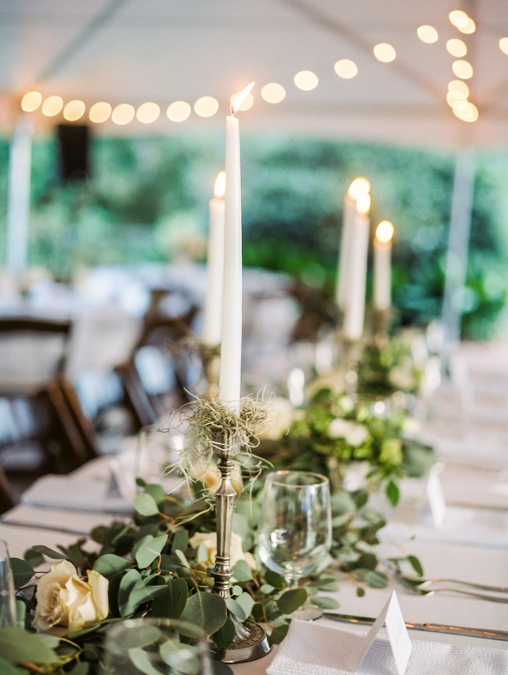 wedding table flowers candles planning