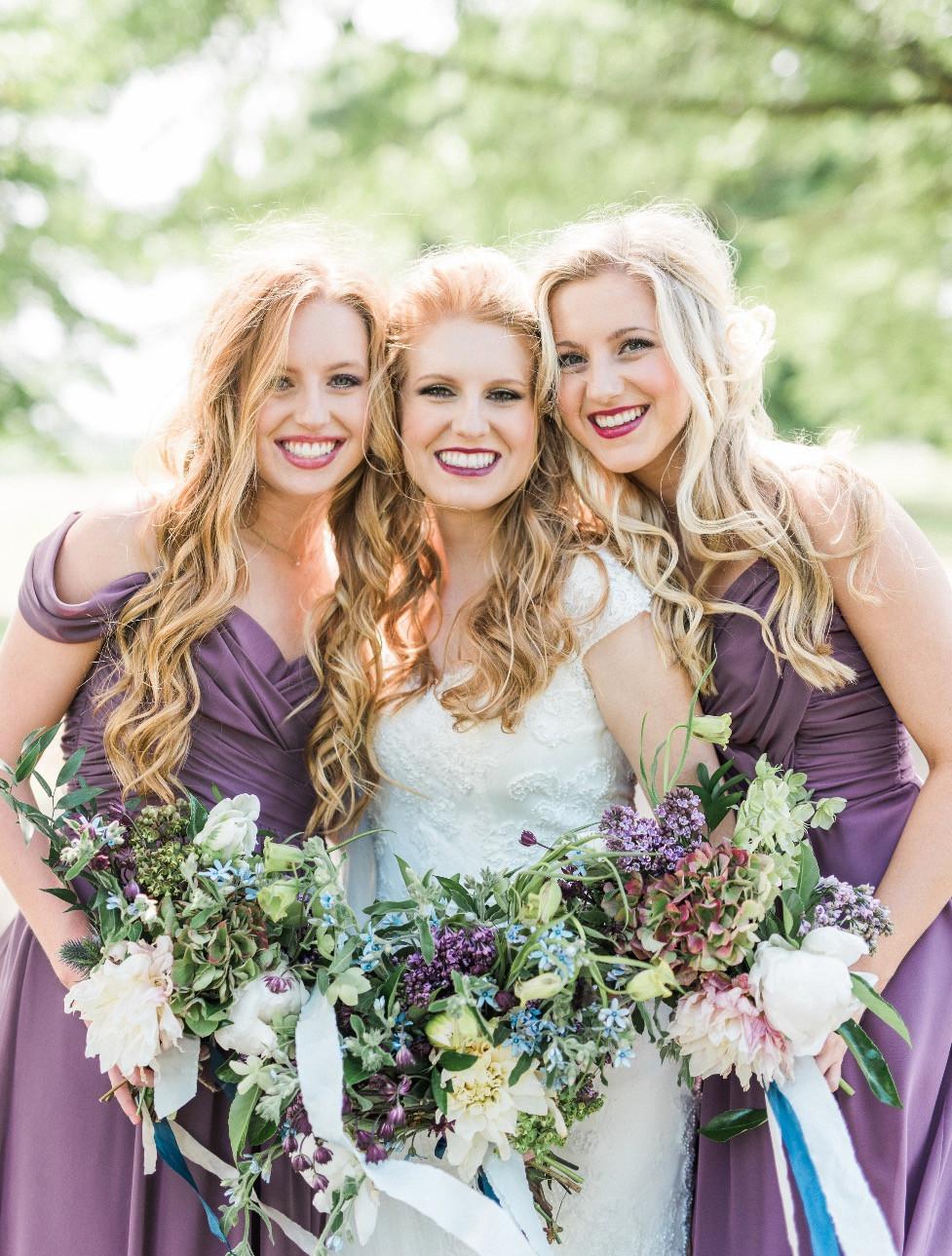 brides bridemaids bouquets