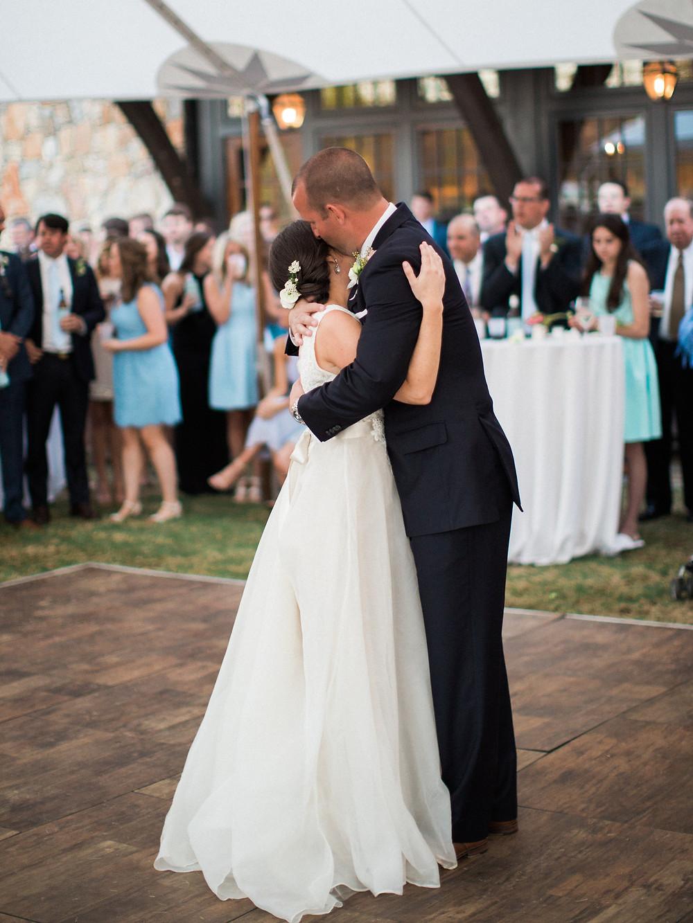 alabama wedding bride dancing