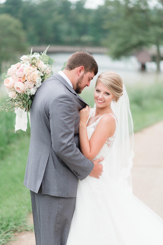 wedding coordinator flowers bride