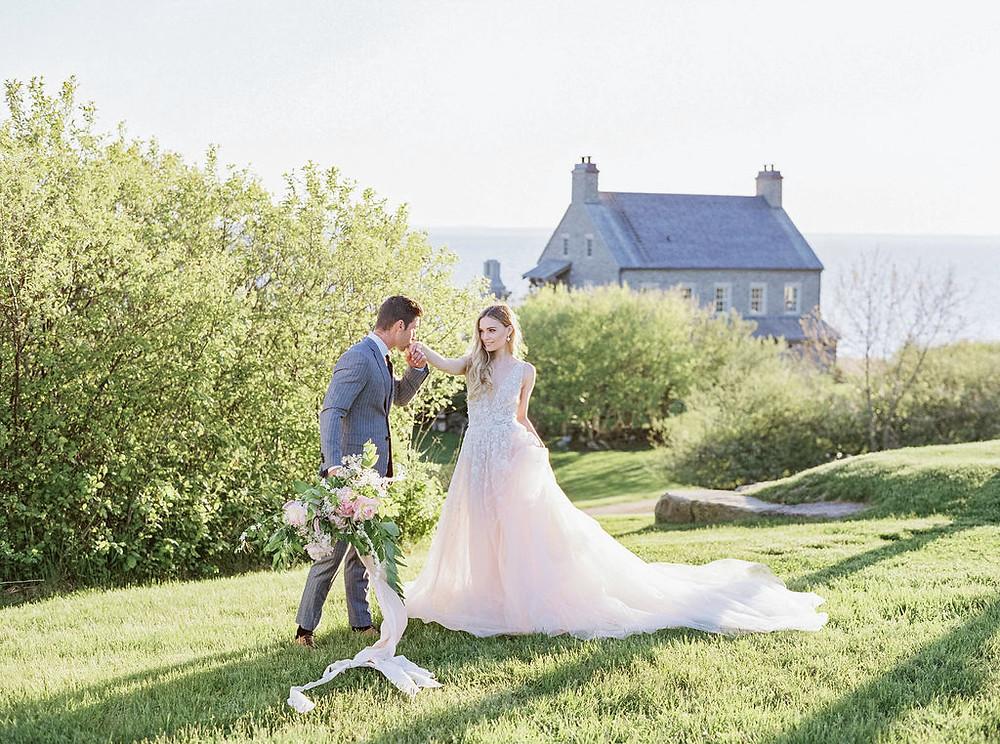 bride and groom details destination wedding