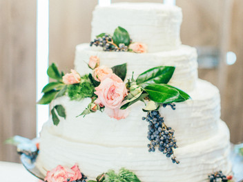"""Flower Confections- Alabama wedding cake favorites from a """"sweet loving"""" florist"""