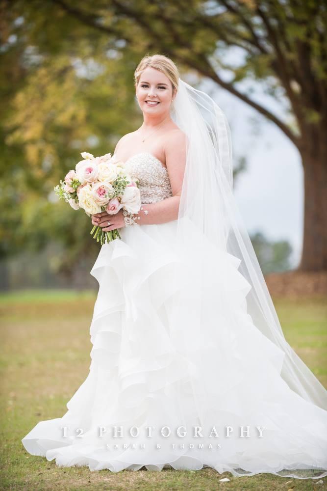 wedding flowers bride groom, auburn