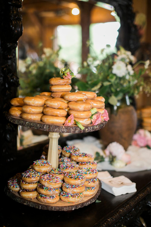 donuts wedding coordinator flowers