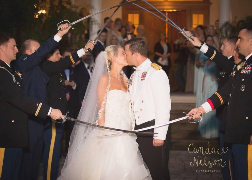 bride groom kiss auburn al planner