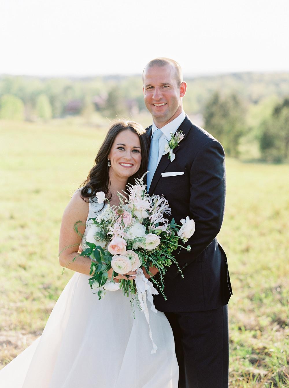 alabama wedding flowers, bride, groom bouquet