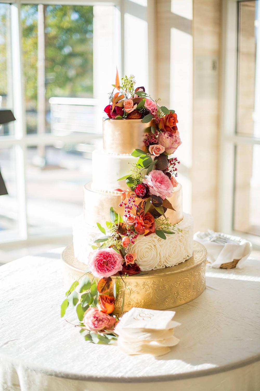 wedding planner styled cake floral auburn museum