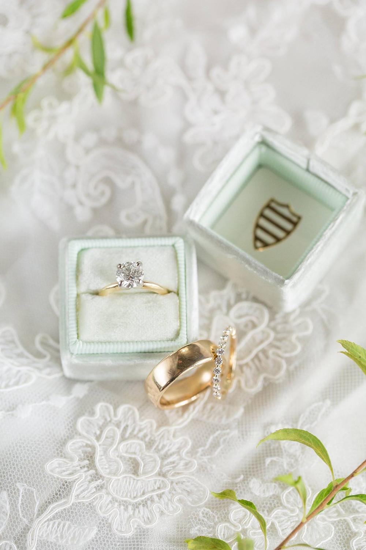alabama bride veil, ring, auburn wedding