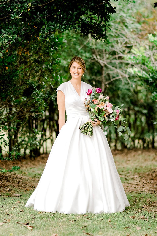 auburn alabama wedding planner  bride flowers