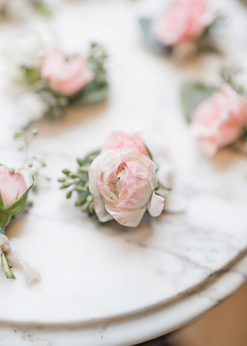 flower bouts wedding