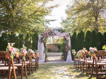 Molli and Justin's rich fall museum wedding at Jule Collins Museum Auburn Alabama   - eliza morr