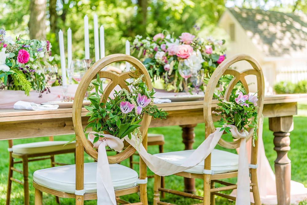 wedding table flowers decor ribbon