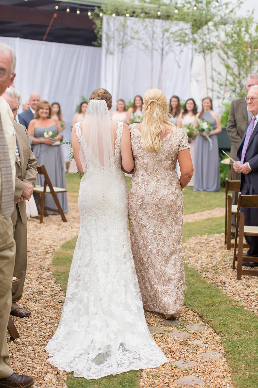 auburn, al wedding party, bride, groom, ceremony, flowers