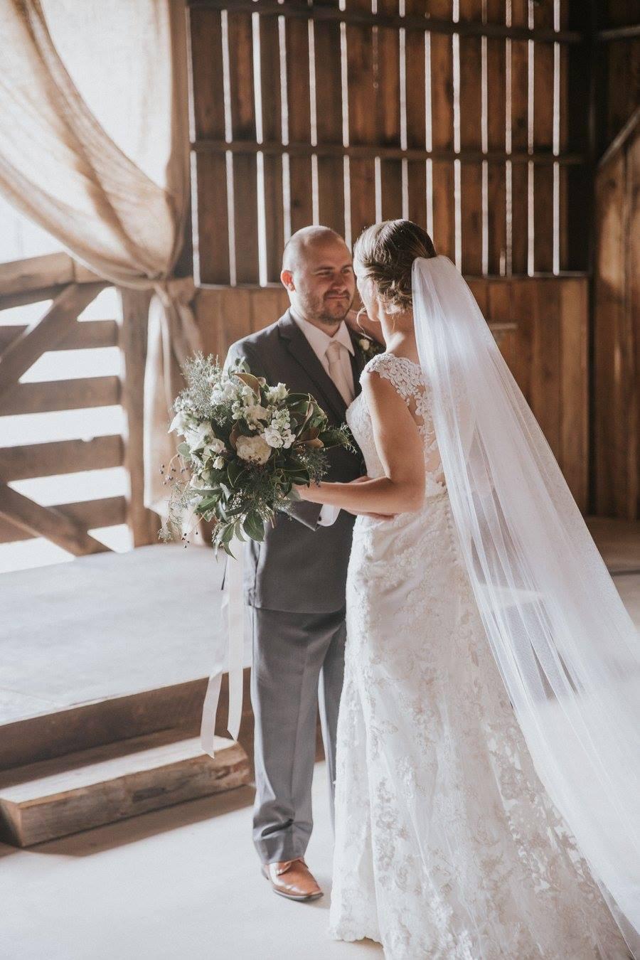 auburn bride flowers coordinator