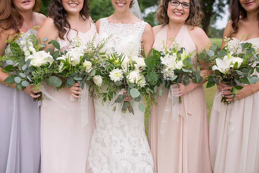 alabama brides, maids, bouquets, wedding florist