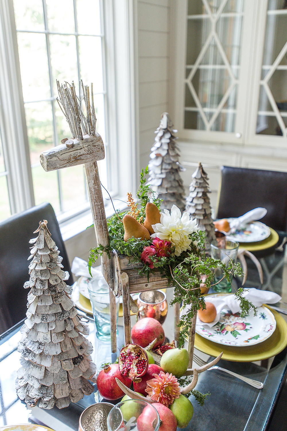 holiday table decor flowers